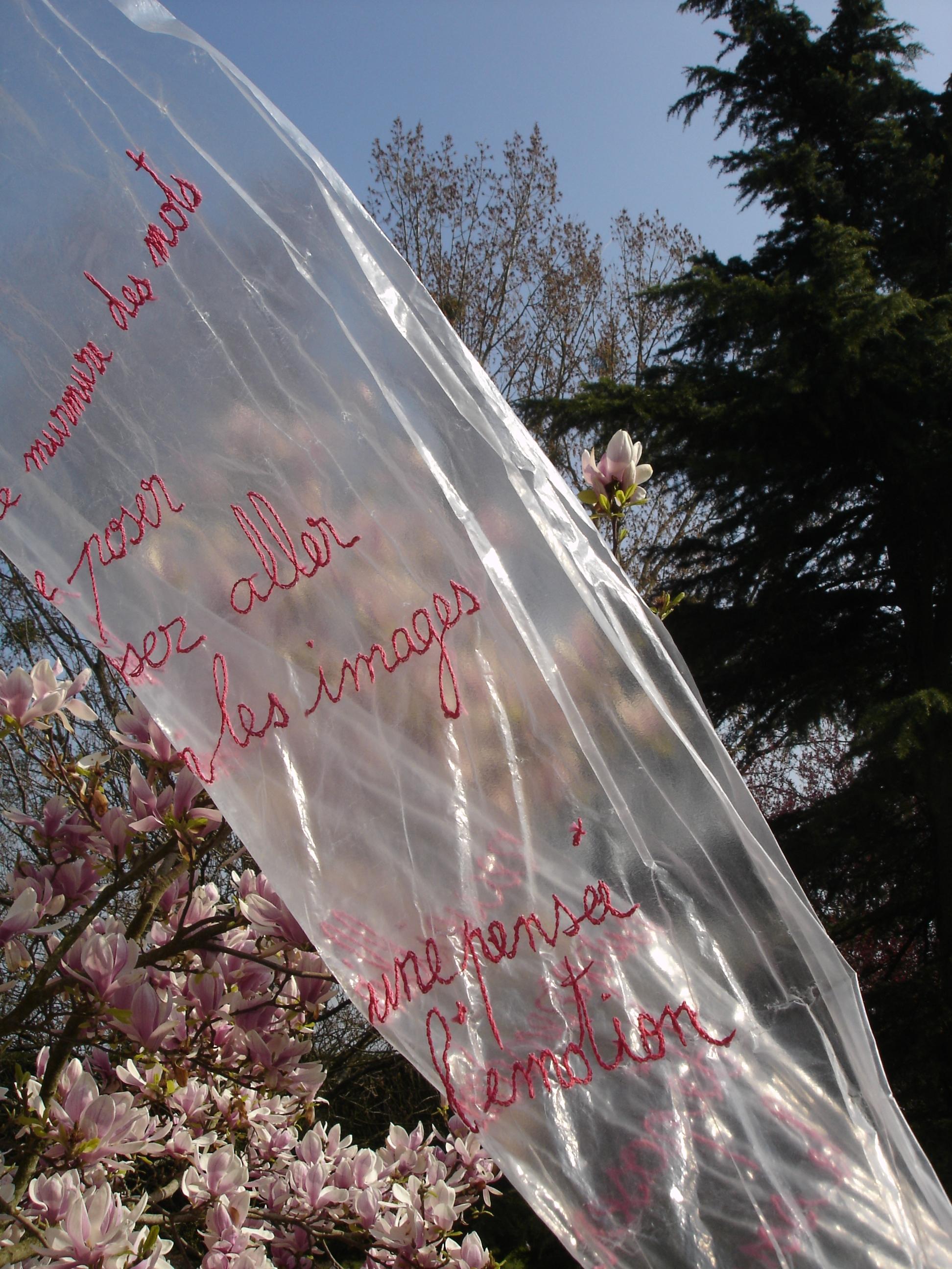 l'écritoire broderie sur bâche, H160cm L 60cm